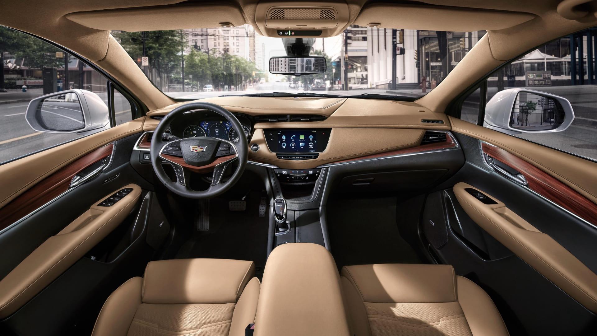 Интерьер Cadillac ХT5